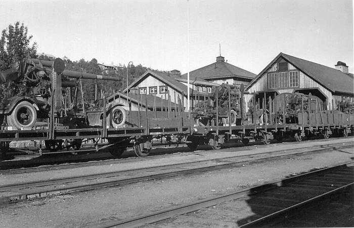 Storlien_1940_Tysk_transittrafik,_8,8_cm