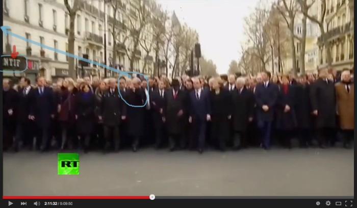 netanjau sautes. must be a nazi thing in some windoe because netanyau and poroshenko salute at the same spor